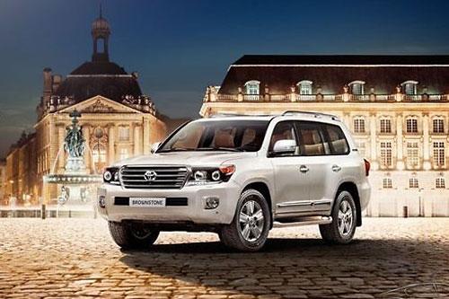 Toyota сделала дешевле Land Cruiser 200