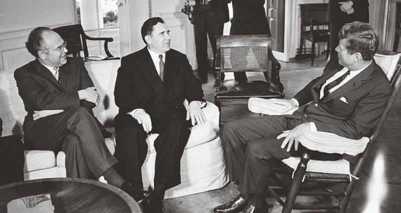 Связник Хрущева и Кеннеди