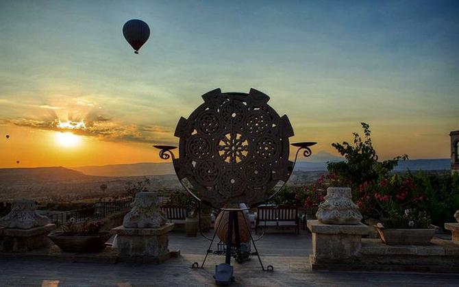 Прогулка по самому необычному отелю в Турции