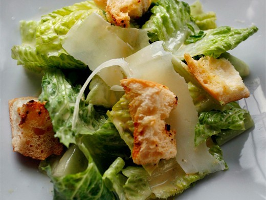 Салат Цезарь. История создания и единственно верный рецепт кухня, рецепты, салат Цезарь