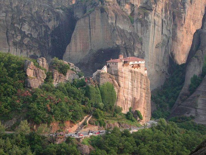 Фото Монастыри Метеоры, Греция. 05 (700x525, 91Kb)