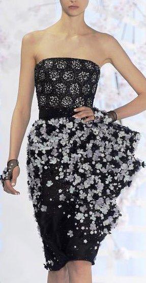 Ralph&Russo Haute Couture весна-лето 2016 — роскошные платья во всей своей классической красе. Настоящее наслаждение!
