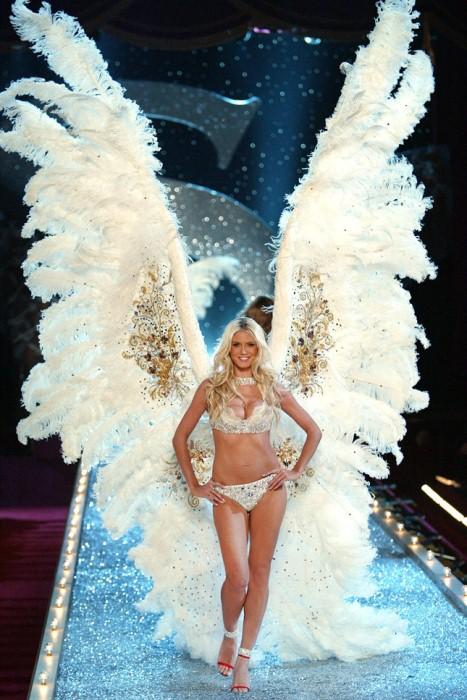 Ангелы Victoria`s Secret: самые сексуальные модели, которые дефилировали в бриллиантовых нарядах