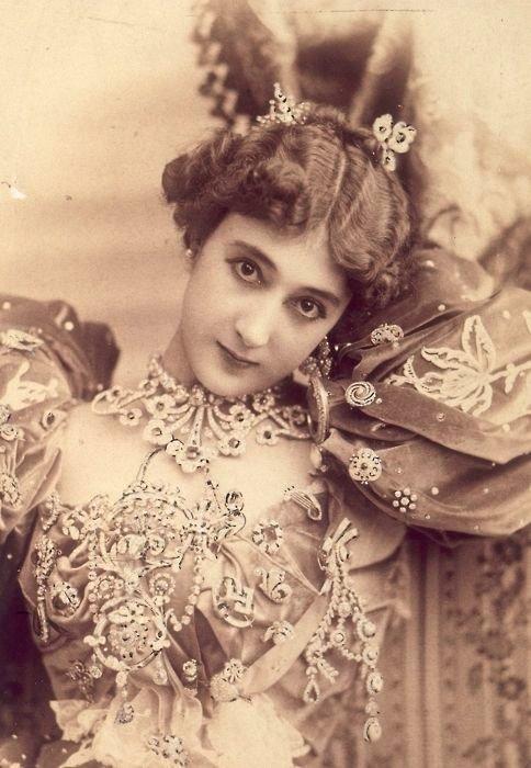 Испанка Каролина Отеро осталась в истории как Прекрасная Отеро женщины, интересное, исторические фото, история, куртизанки, факты, фото