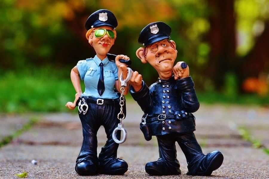 Полицейская эротика: кому какое дело?