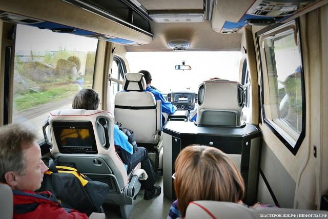 Микроавтобус как самолет