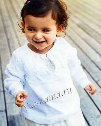 Детский пуловер с кокеткой из кос, фото