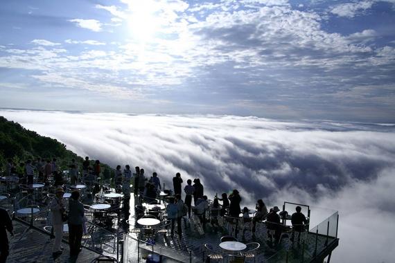 7 метров над уровнем неба: японская терраса, взмывшая над облаками