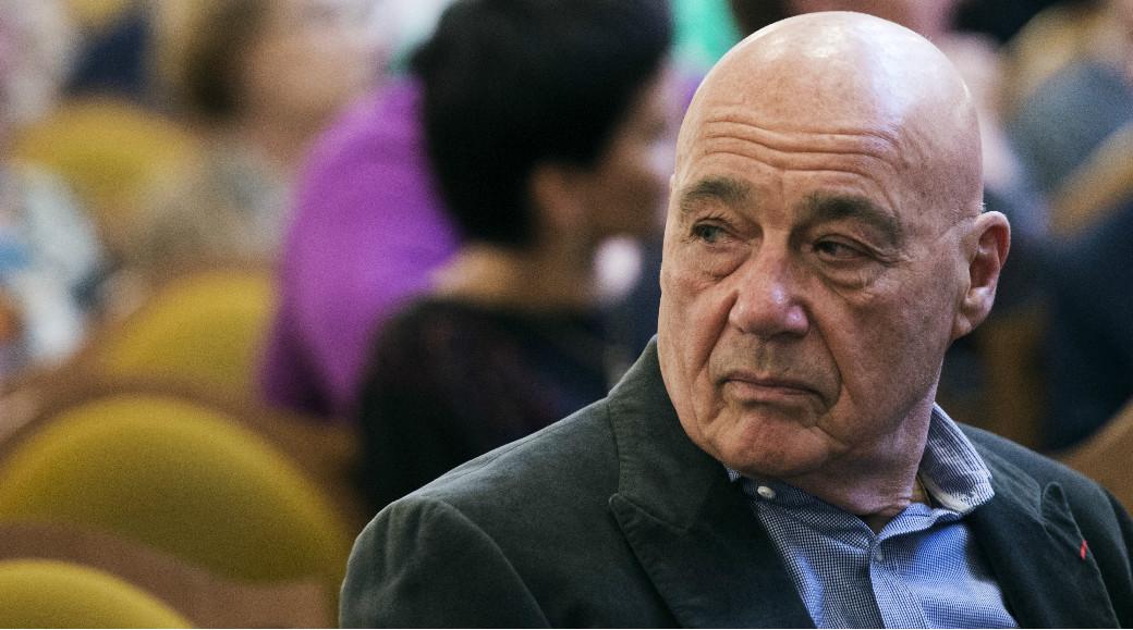 Валерий Трапезников: Господин Познер, Вам надо успеть купить билеты в Америку