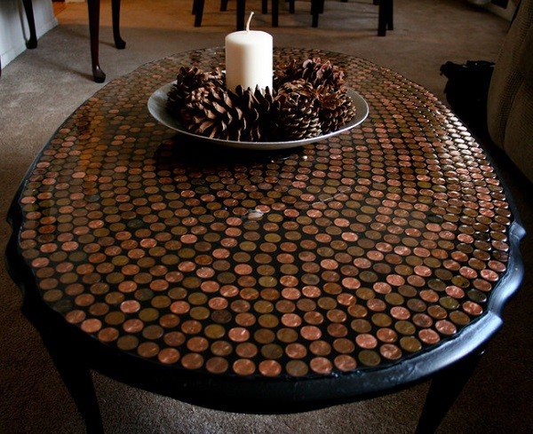 Просто журнальный столик. За таким приятно сидеть уютным вечером… дизайн, креатив, монета, украшение
