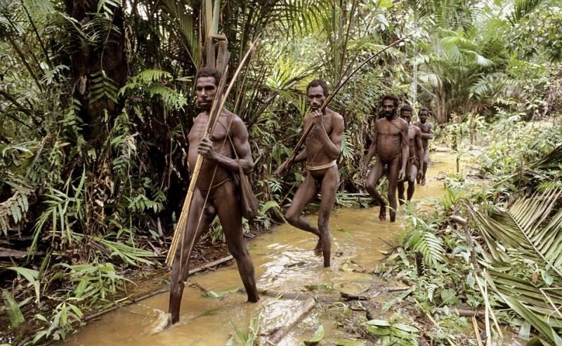 Смотреть онлайн сексуальные обряды папуасов