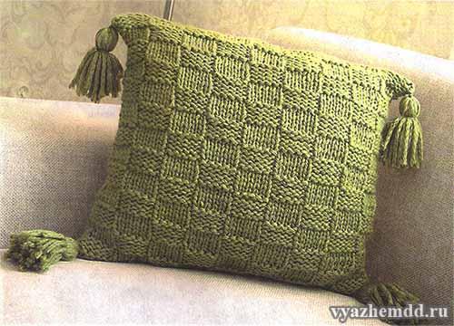 Простой чехол для подушки с кистями
