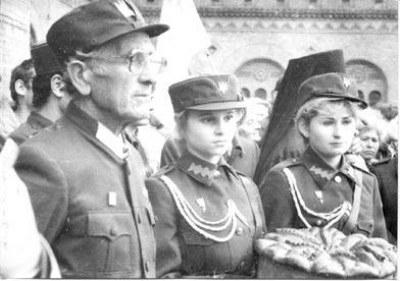 Бандеровцам и украинским нац…