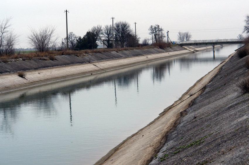 Перекрытие Украиной Северо-Крымского канала навредило шести странам