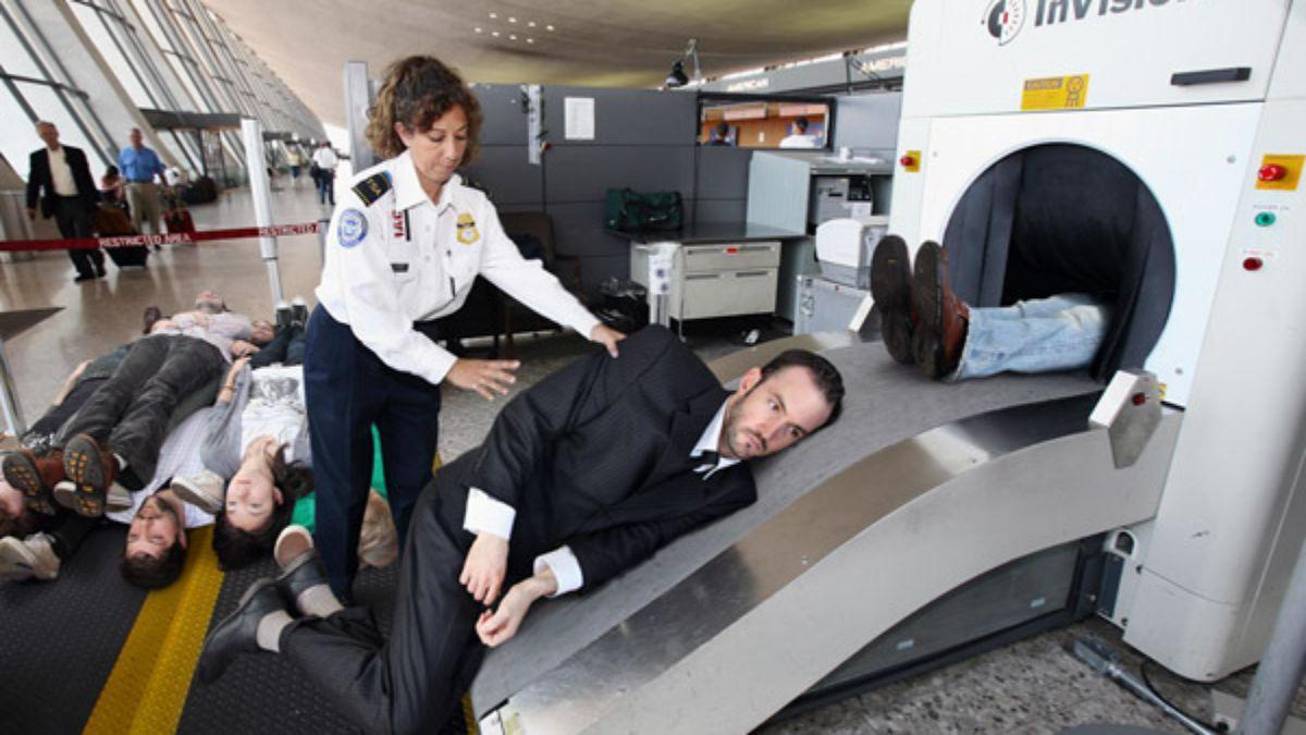 Airbus предложил сажать пассажиров в самолётах друг над другом  (geektimes.ru)
