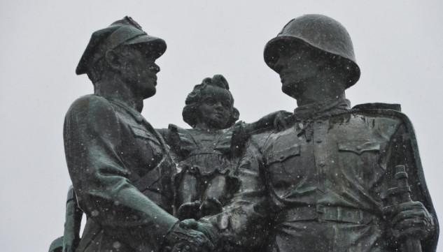 Какие памятники планируют снести в Польше