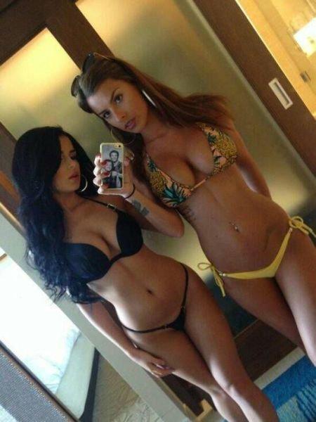 Девушки в бикини (33 фото)