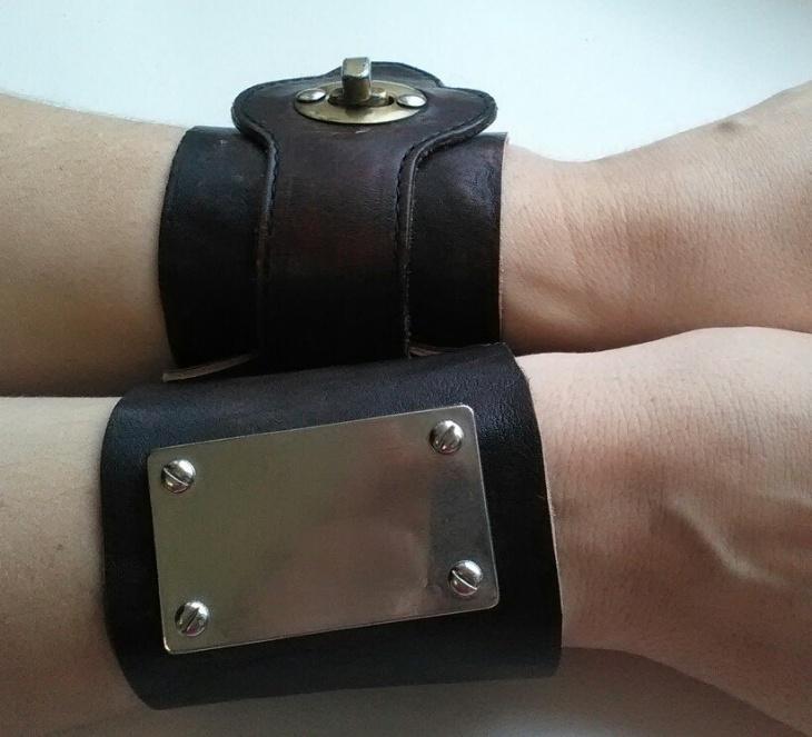 Сумчатые кожаные браслеты