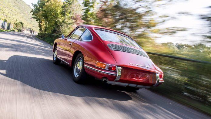 Родоначальник серии: музей Porsche представил самый старый 911, оригинальную модель 901. Фото