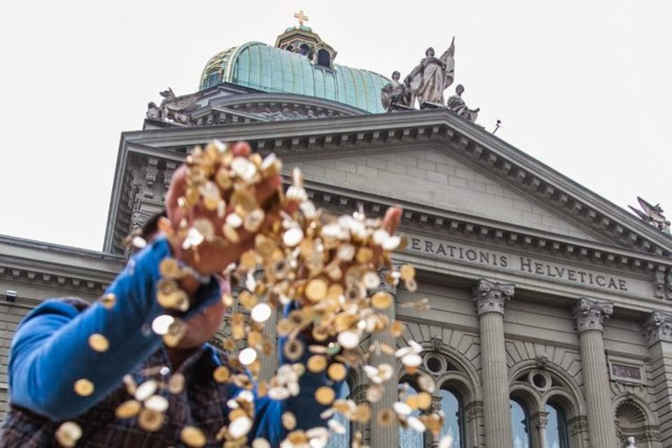 Финляндия будет просто так выдавать каждому гражданину по $900 ежемесячно
