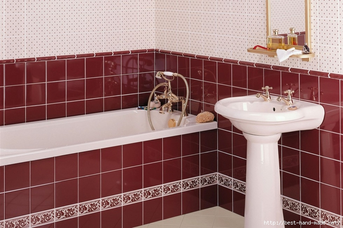 x_minton_hollins_louise_maroon_bathroom_1 (700x467, 264Kb)