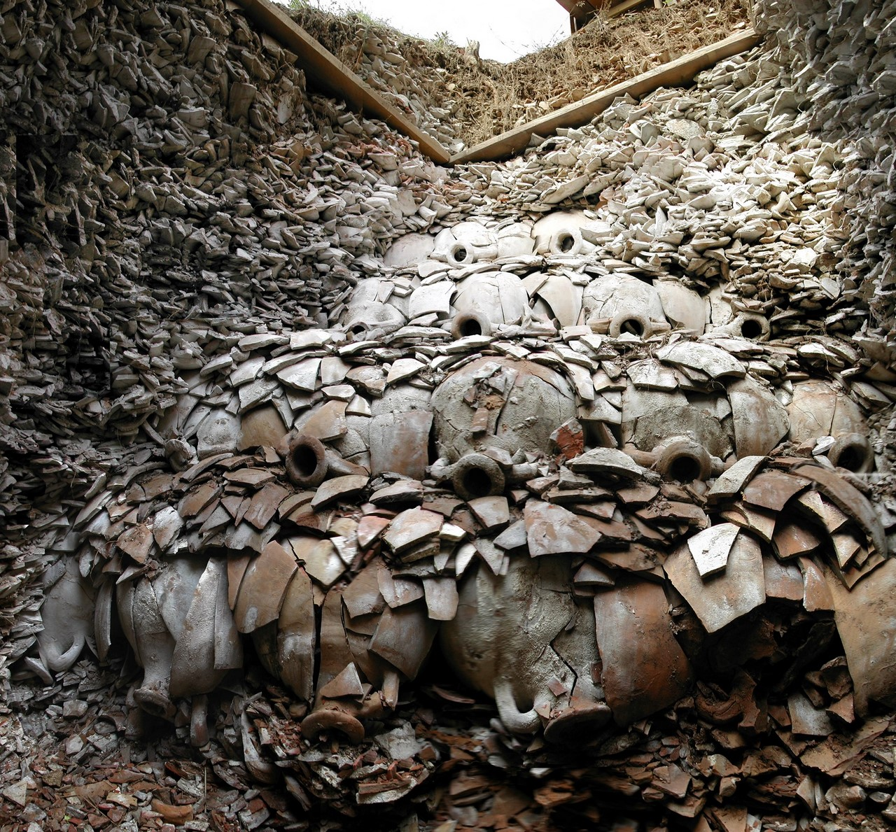 Свалка, которой 2000 лет