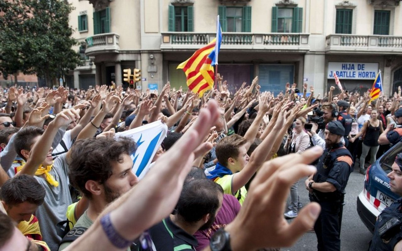 В Каталонии сторонники независимости захватили пропускные пункты на платных дорогах