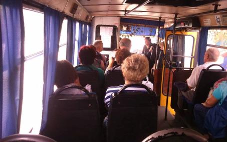 Окопавшиеся в киевской маршрутке «сепаратисты» не уважили мать «героя АТО» и выставили ее транспорта