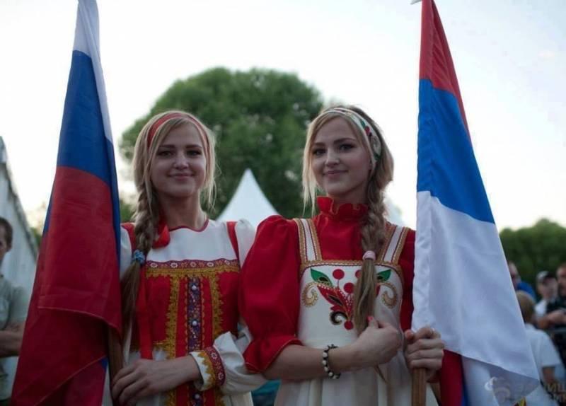 Байки о сербском нейтралитете и двух стульях