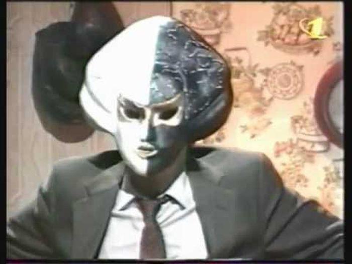 Передача когда человек в маске