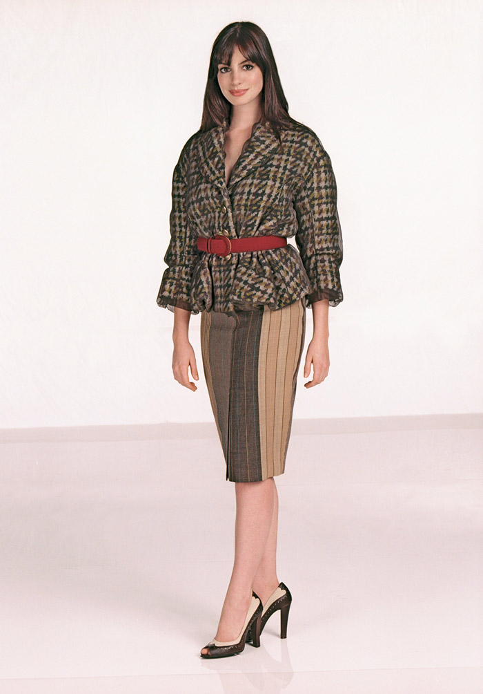 Энн Хэтэуэй (Anne Hathaway) в фотосессии для фильма Devil Wears Prada (2006), фото 5
