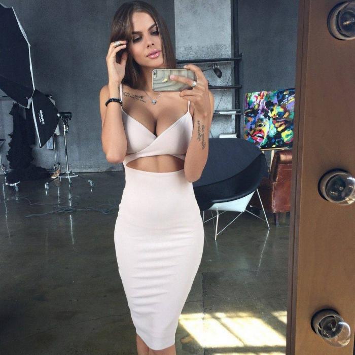 красивые секретарши в обтягивающих платьях