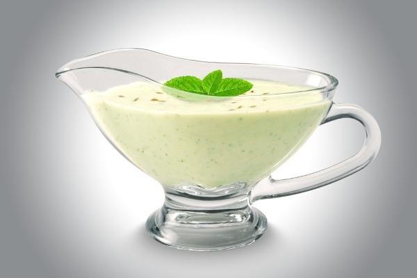 Шикарная салатная заправка на йогурте. Ваше блюдо станет неотразимым!