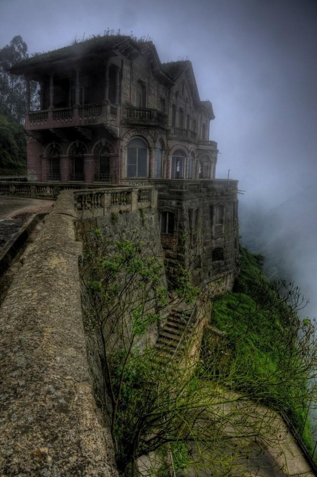 Заброшенный отель в Колумбии заброшенное, природа, разрушение, цивилизация
