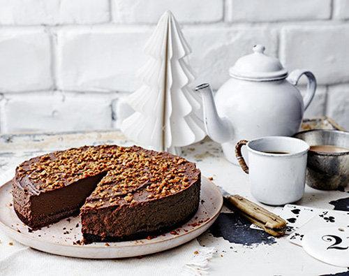 Рецепты к Новогоднему столу. Шоколадный трюфельный торт