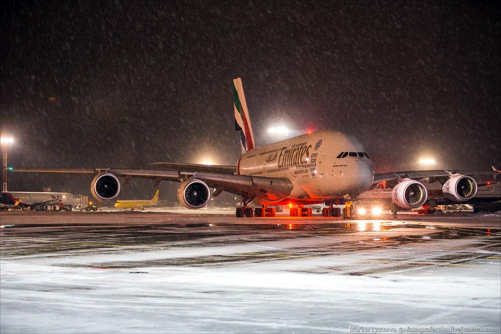 Как обслуживают самый большой самолёт: А380 в Домодедово