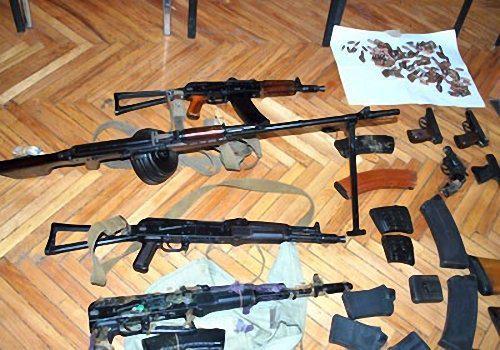 На Украине задержаны каратели с арсеналом оружия, дезертировавшие из батальона «Айдар»
