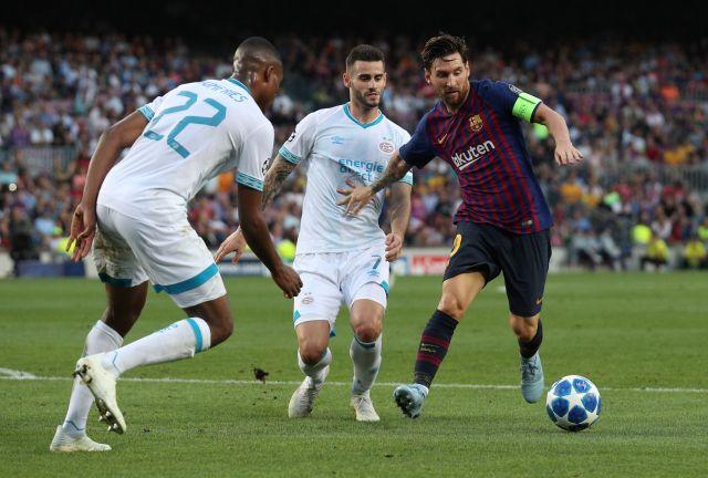 «Барселона» выиграла матч с ПСВ в Лиге чемпионов благодаря хет-трику Месси