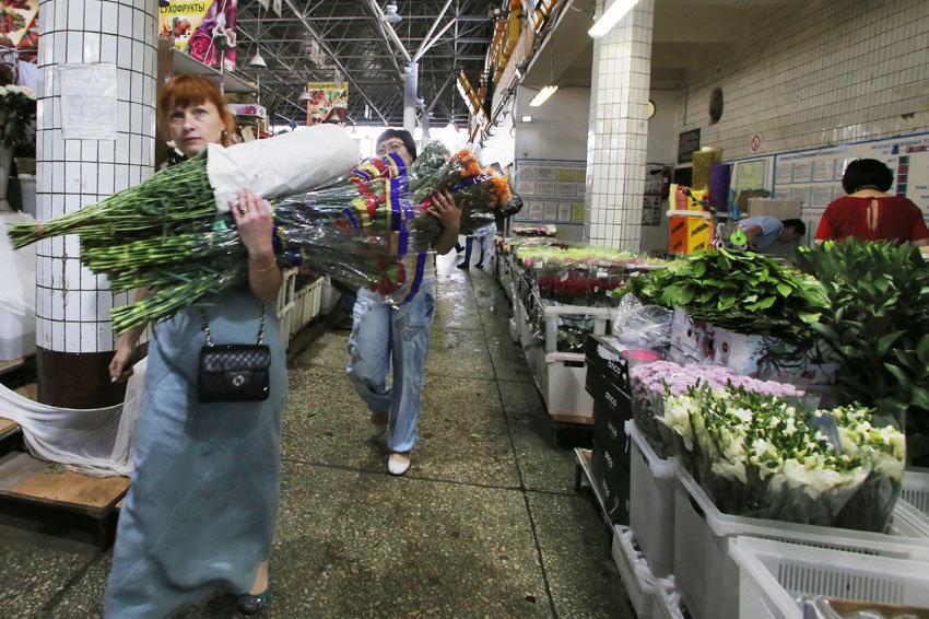 действующего сертификата цветочный рынок на ленинградском вокзале Рыба любит отношениях