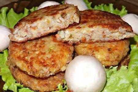 Гречневые котлеты с сыром и луком.