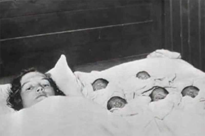 Жизненная история этих пяти близняшек невероятно трагична