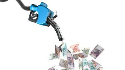 Эксперт: при высокой стоимости бензина мелкие и средние автоперевозчики уйдут с рынка
