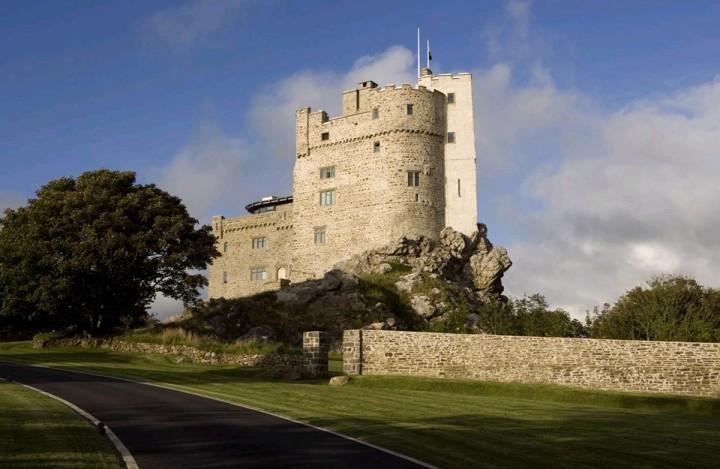 Замок Рок (Roch Castle)