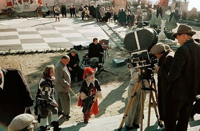 В фильмахсказках снятых режиссером Александром Роу всегда присутствовали спецэффекты которые по тем временам казались поразительными