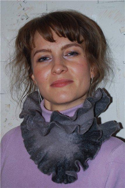 От шапок к шарфам: стильные аксессуары осени