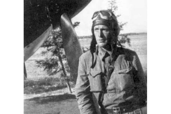 Лейтенант Васильев идет на таран