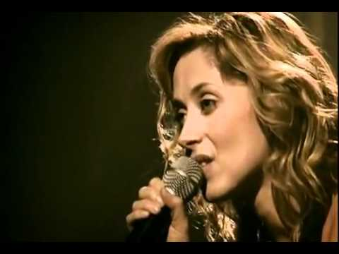 """Лара Фабиан - На своём первом концерте после смерти друга, певица решила исполнить популярную песню """"Je t'aime""""..."""