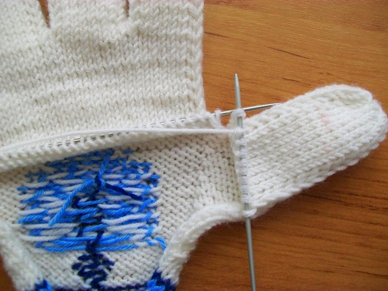 Вязание варежек перчатки спицами