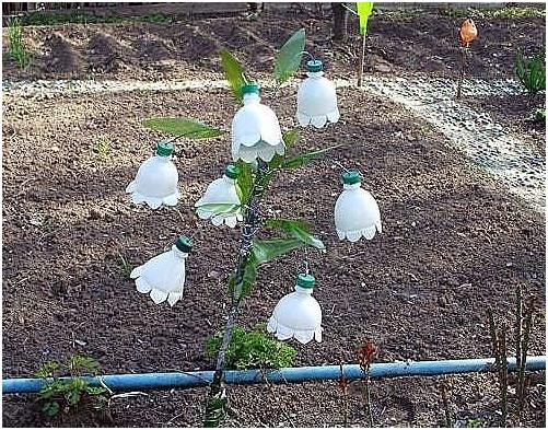 Подделки в саду фото