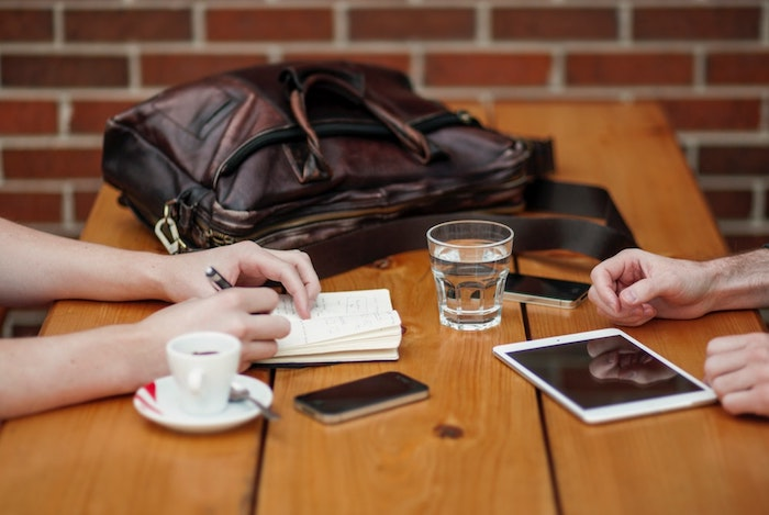 Не проделывайте никаких денежных операций, используя общественный wi-fi.